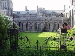 knox courtyard.jpg