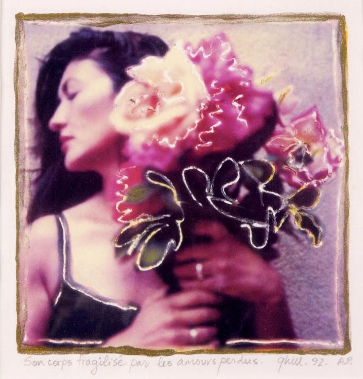 Son corps fragilise par les amours perdus . Lourmarin, France . I am creative . Gail Hill