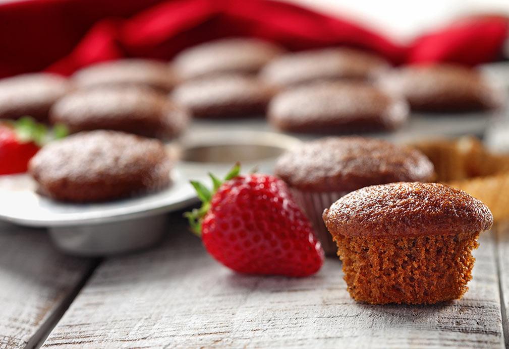 Morning Spice Mini Muffins. Recipe courtesy of canolainfo.org