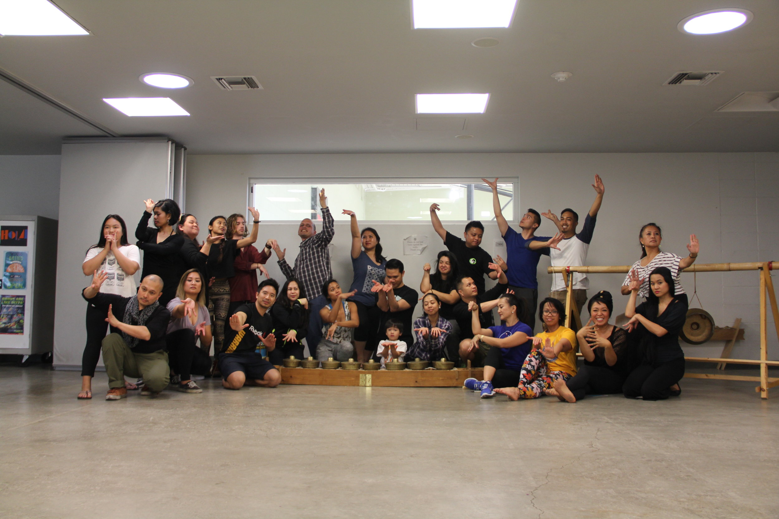 Our beautiful workshop participants striking a  pangalay  pose!