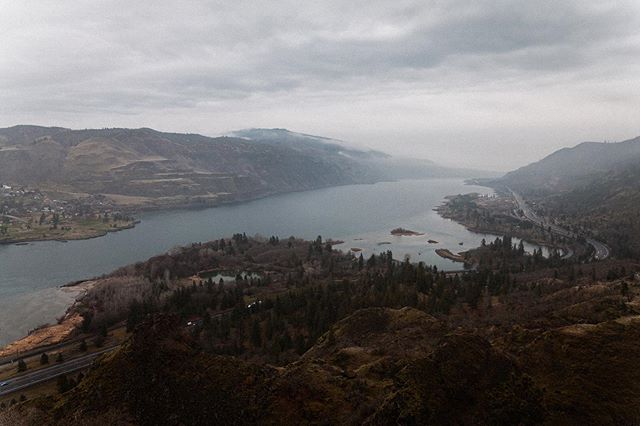 Winter on the Columbia River Gorge.⠀⠀