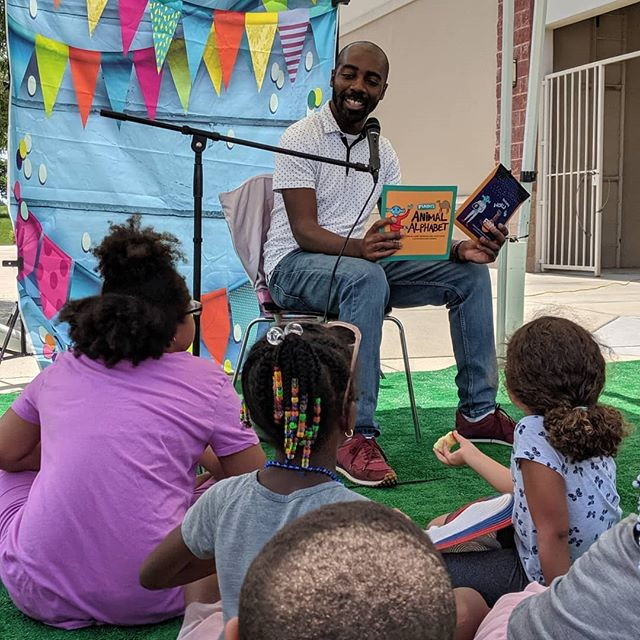 "It was a magical time reading ""Fundo's Animal Alphabet"" today at the @macaronikid Storytelling Festival. Thanks to @watsonfamilylit for the photos #Reading #fundoabc #raleigh #parents #fundopress #Kidsbooks #literacy #alphabet"