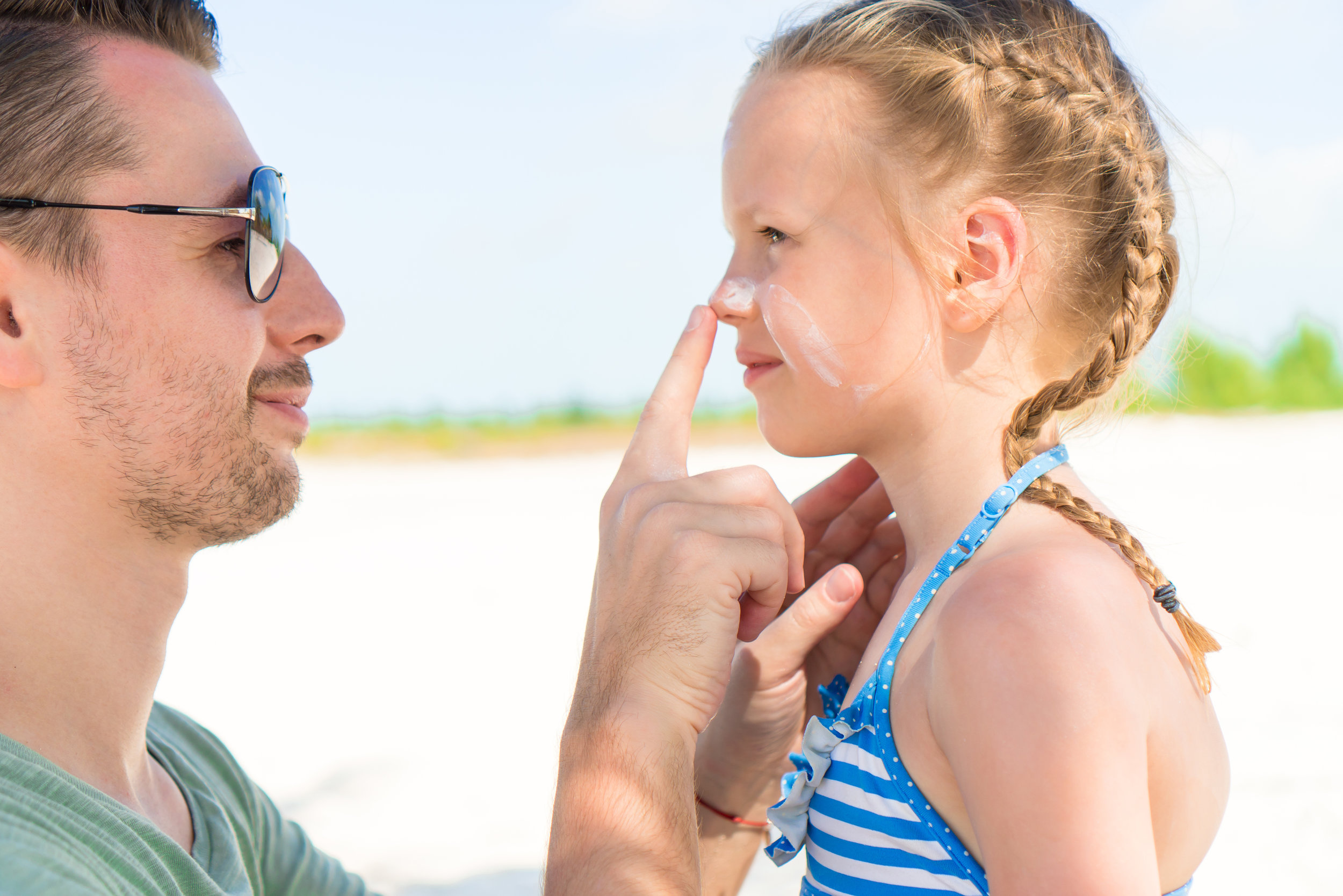 Which sunscreen is safest? - Are you confused about how to choose the best sunscreen for yourself,your family and the environment? Well your not alone! Here is a guide on how to choose and why.