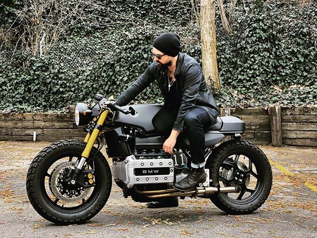 If you need me, I'll be in the garage. 📸 @blade3481  #flyingbrick #oridesigns #jakeori #bmw #ori #caferacerstyle #caferacersofinstagram #caferacer #vintagebike #k100rs #bmwk100rs