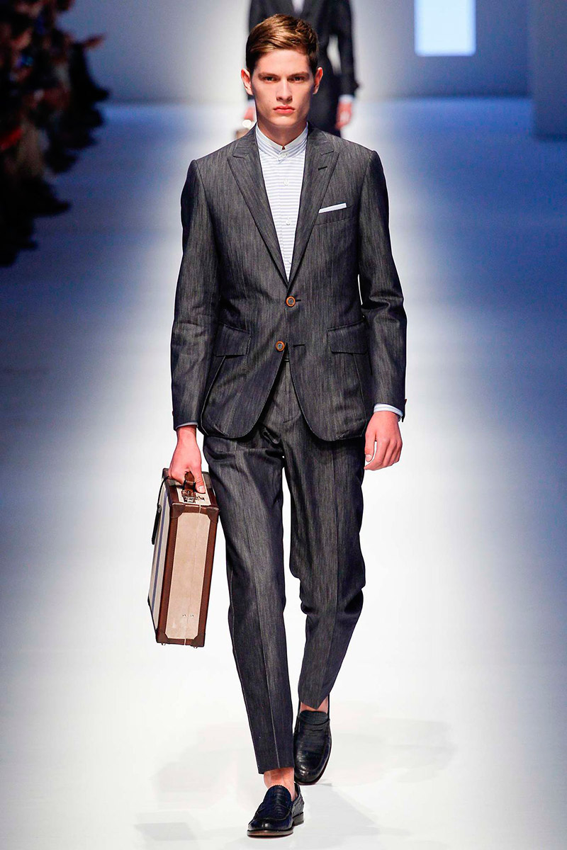 Canali unveiled its Spring/Summer 2016 collection during Milan Fashion Week.