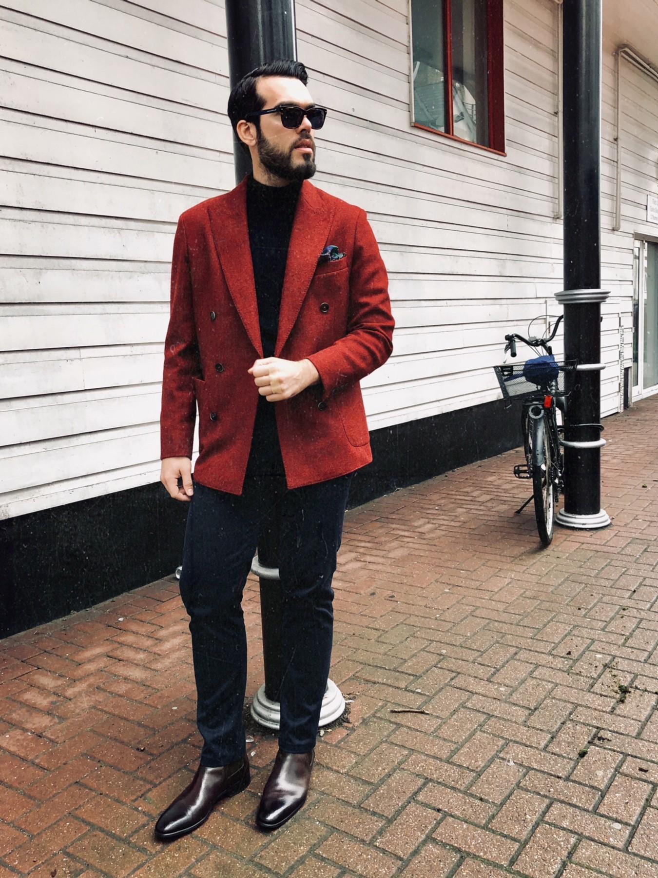 Jacket: Hackhett London / sunglasses: Zegna / Shoes: Santoni / Pants & Turtle Neck: Massimo Dutti