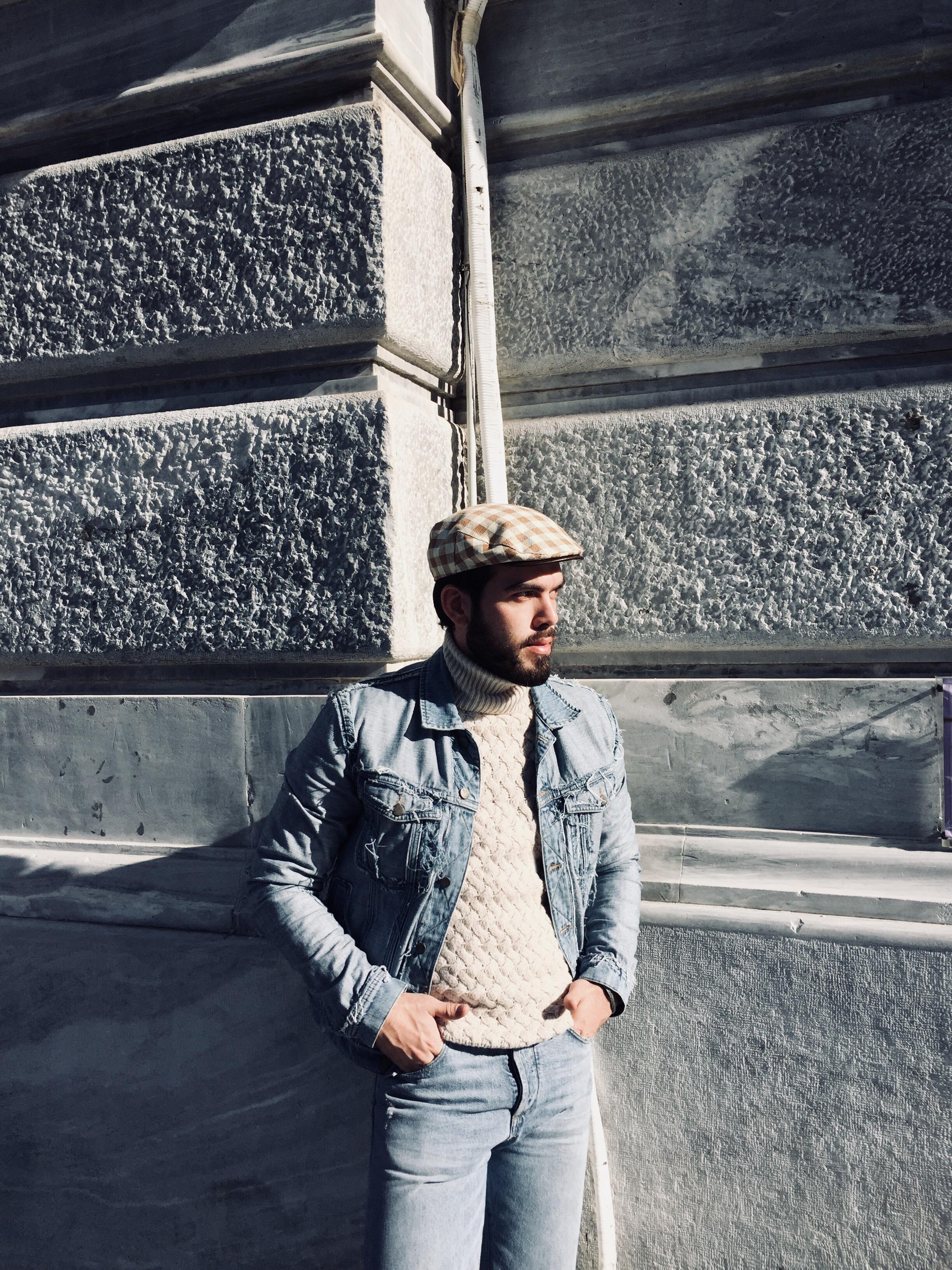 Jean Jacket: Maison Margiela / Jean: Zara / Knitwear: Massimo Dutti / Hat: Vintage