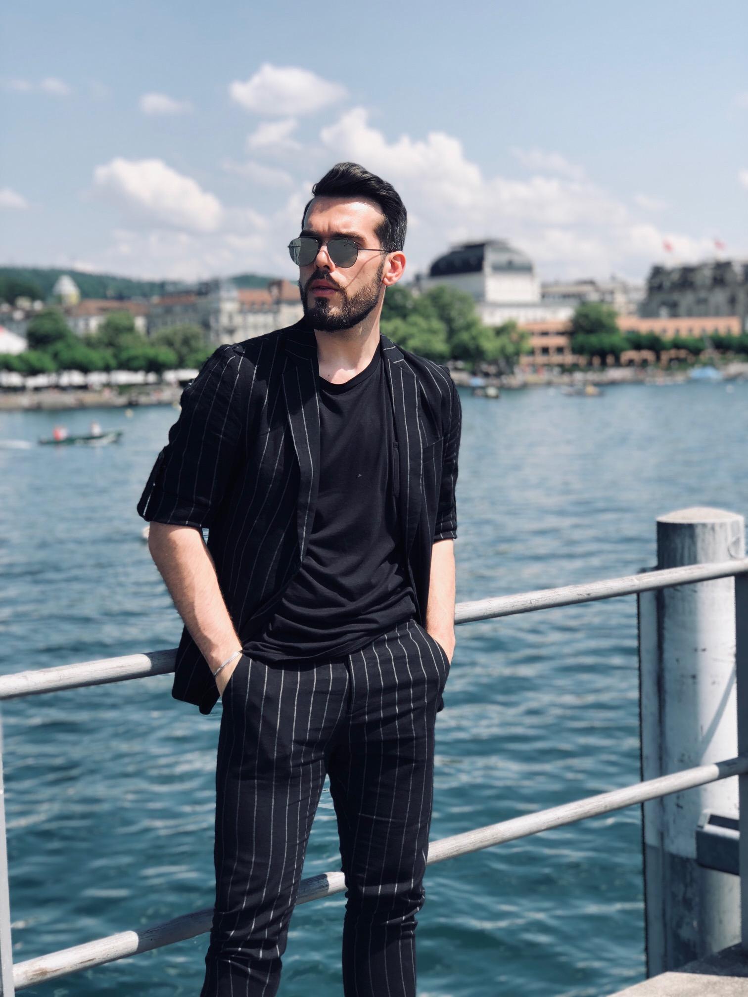 Suit: Antony Morato