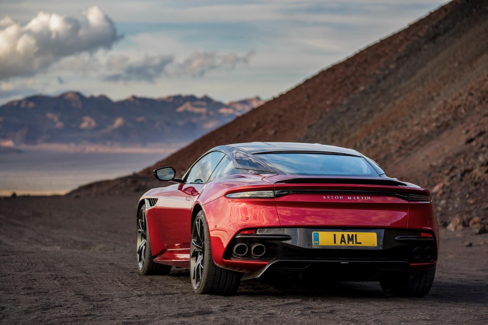 2019-Aston-Martin-DBS-Superleggera-00019.jpg