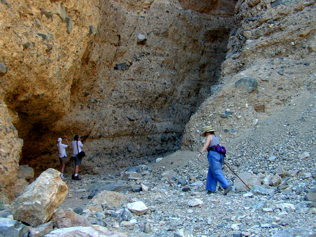 Initially, the canyon floor was not cramped and there was plenty of light peeking down from above.