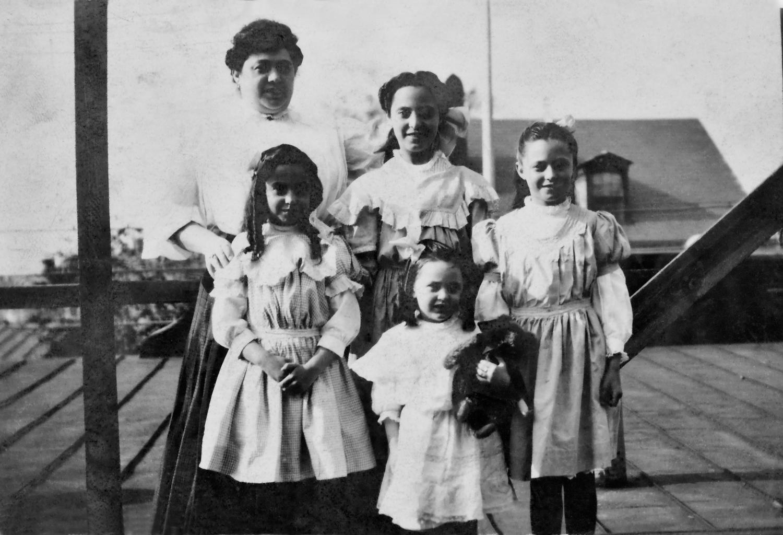 The Gottlieb Girls: Bessie, Kathryn, Irene, Isabel, Florence