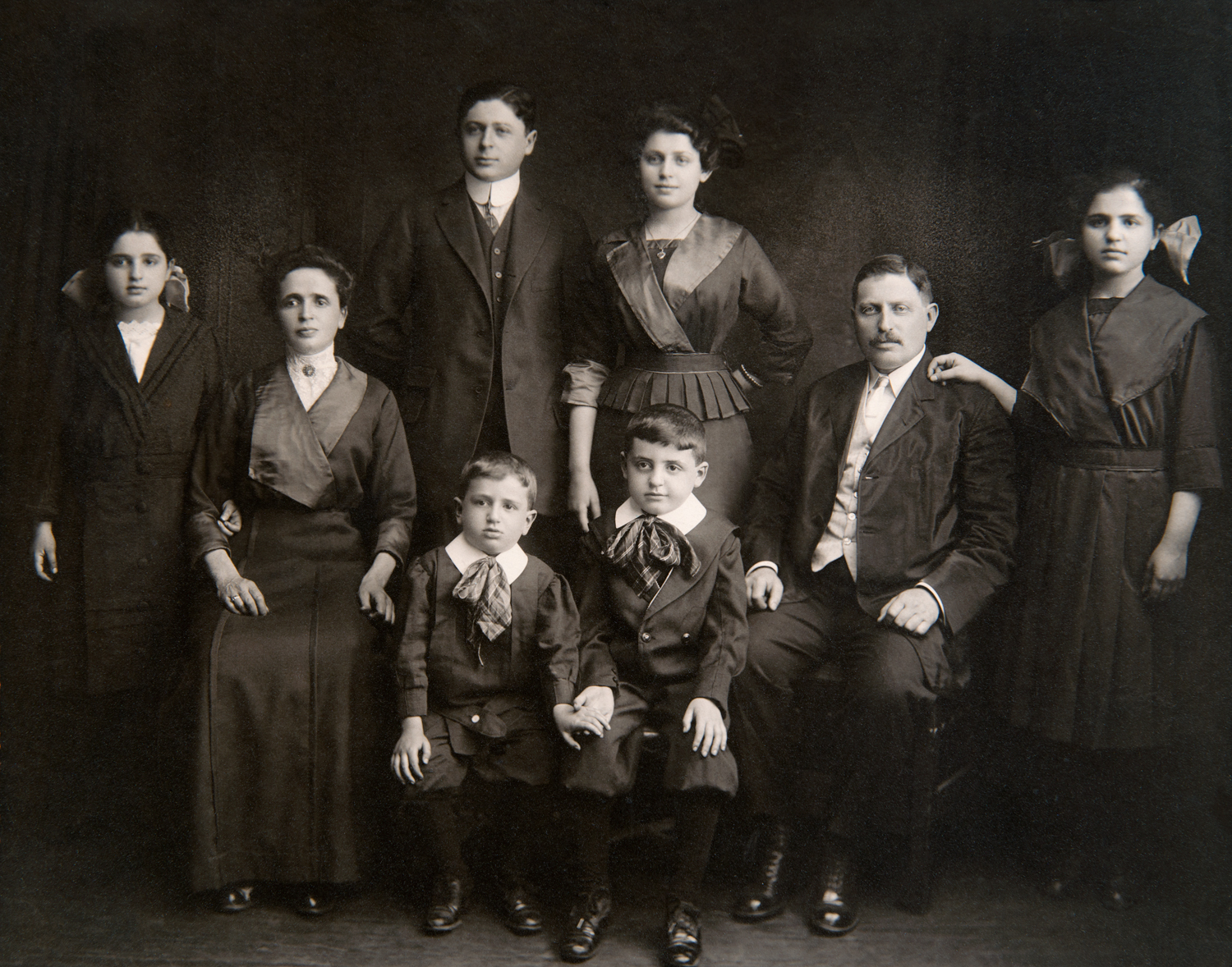 Lazarus Family (Sylvia is standing in the center)