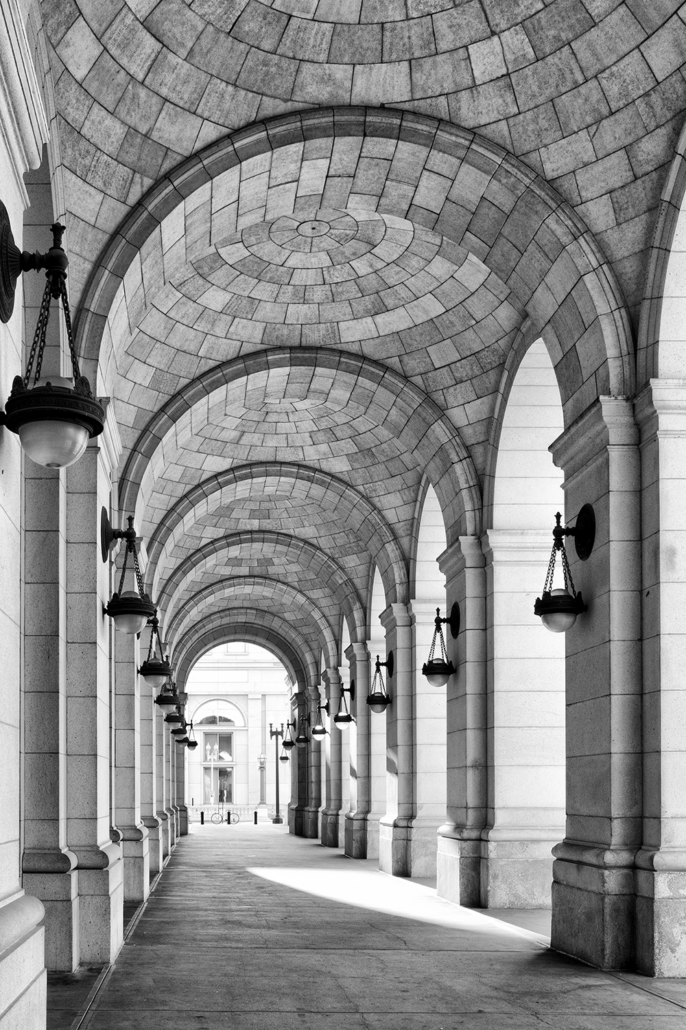 160924 Union Station 17-1 cln bw.jpg