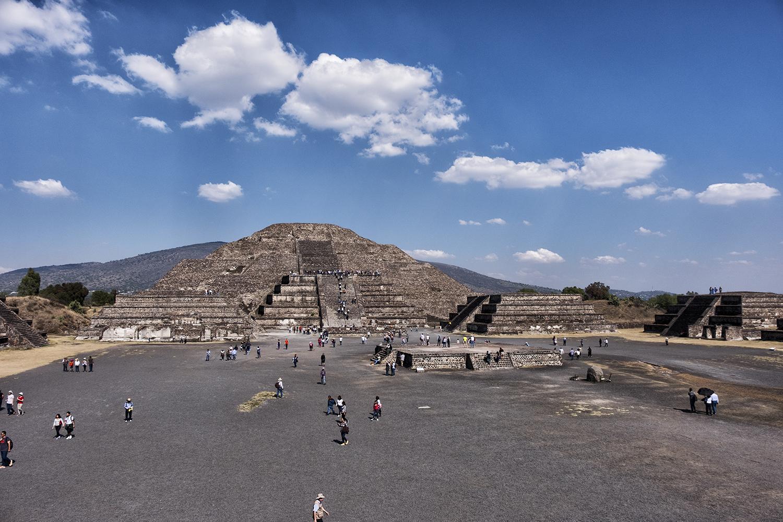 Piramide de la Luna, Teothiuacan, Mexico