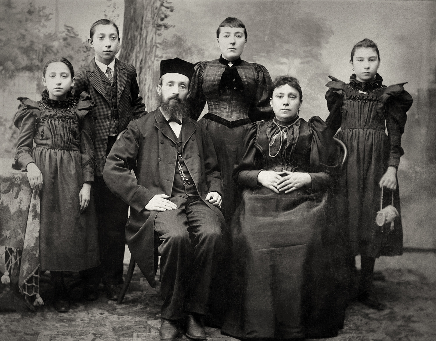 Adalman Family (Morris and Anna seated; Hyman is 2nd from the left)
