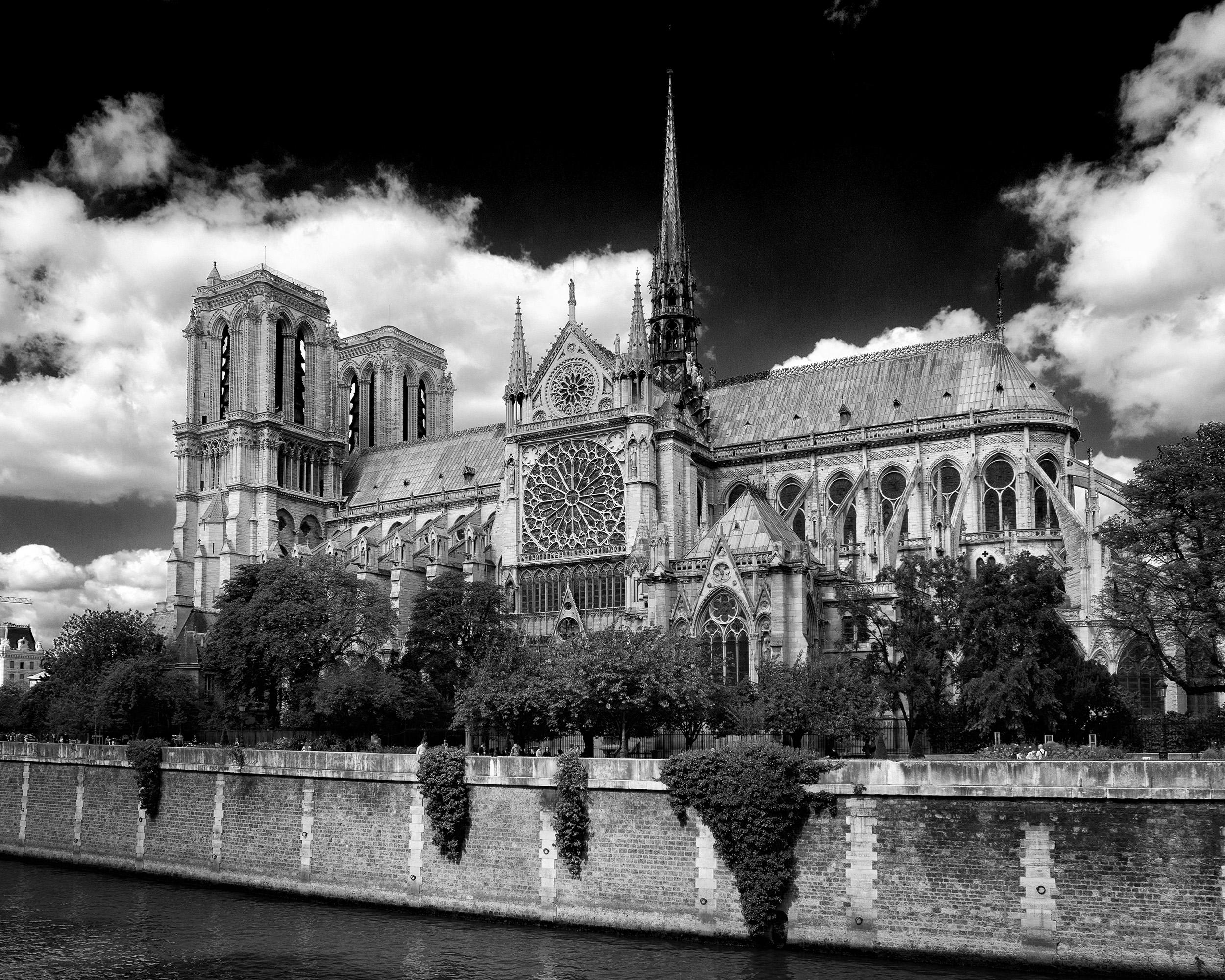 140901 Paris 029 as Smart Object-1 bw.jpg