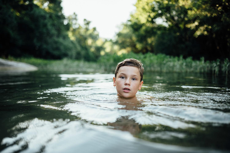 austin lifestyle photographer creek session 2.jpg