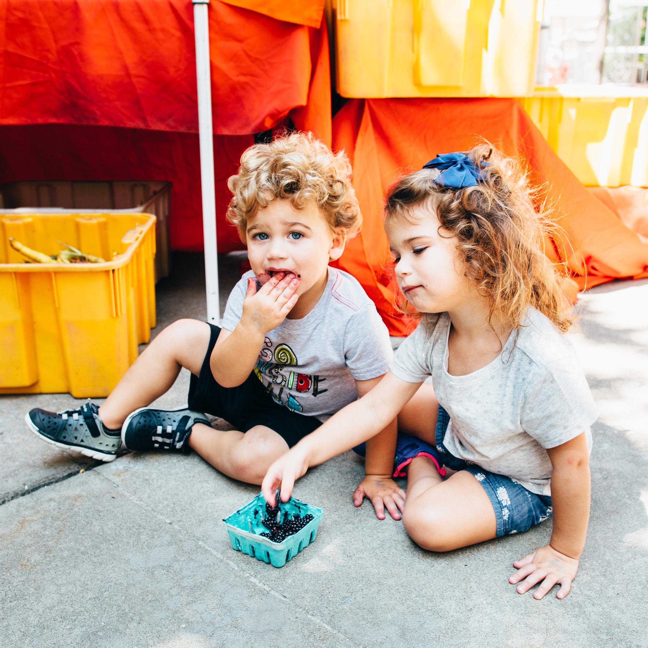 kidsWblackberries.jpg