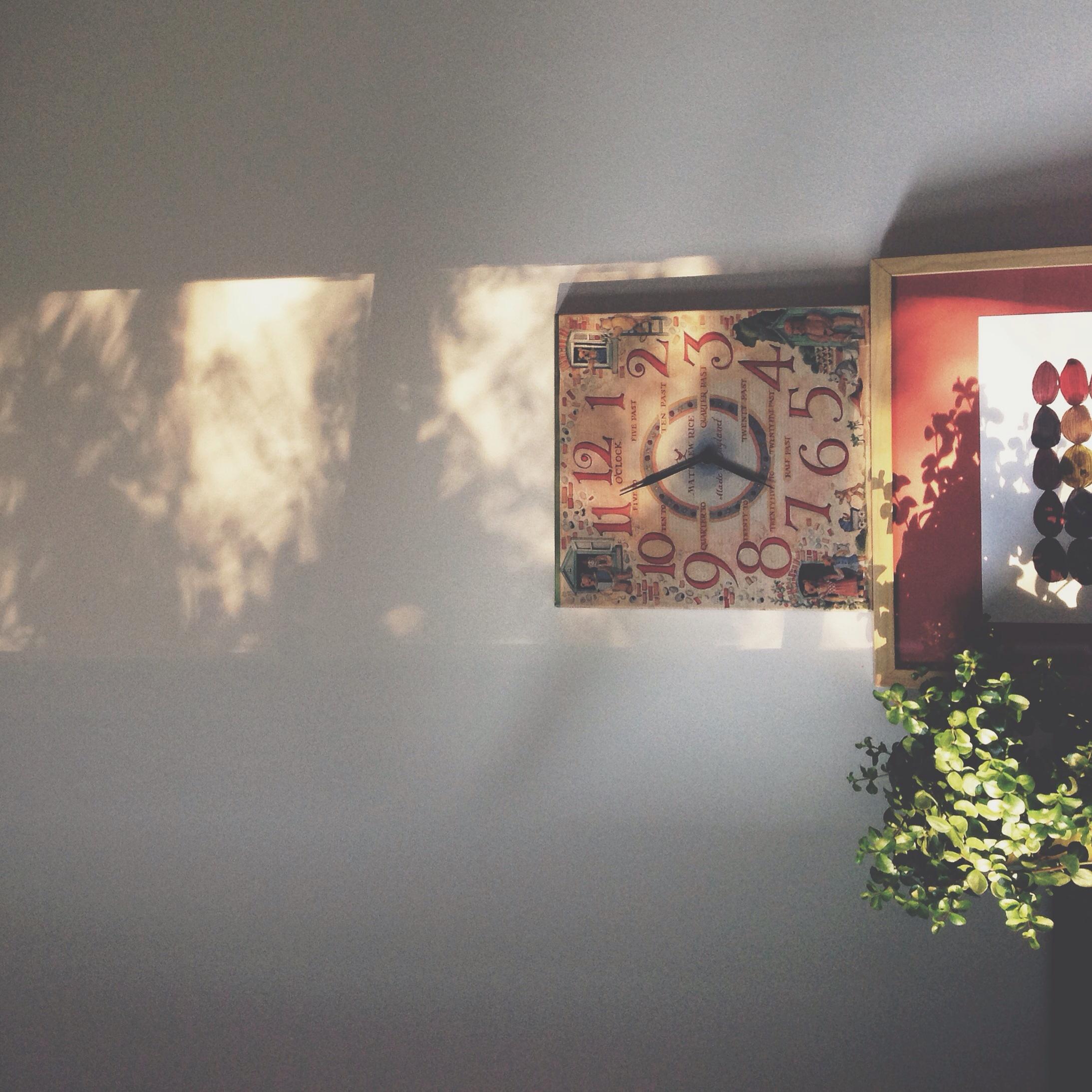 06.57 am light in my creative space - Original artwork by Tiel Sielv