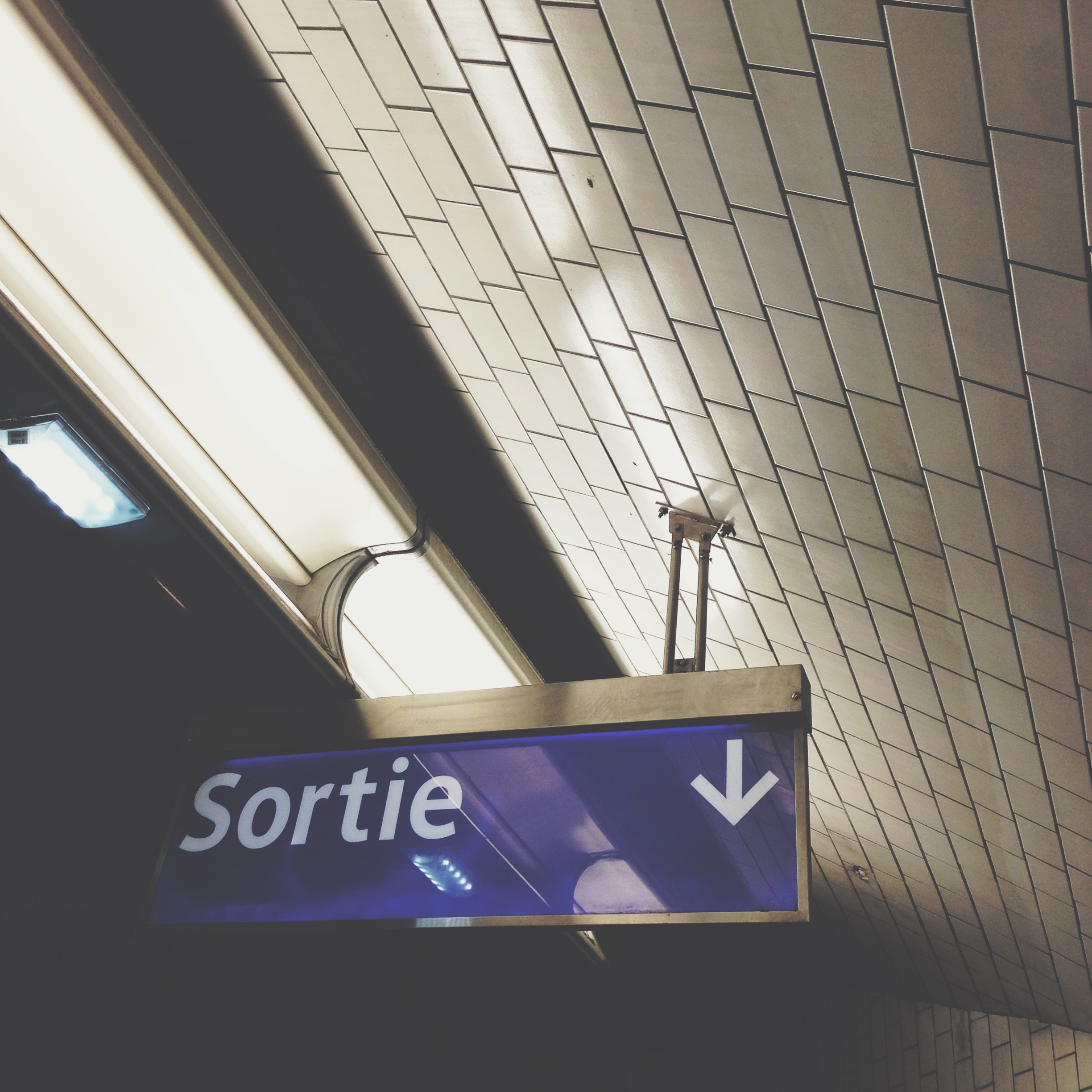 Going out of the métro