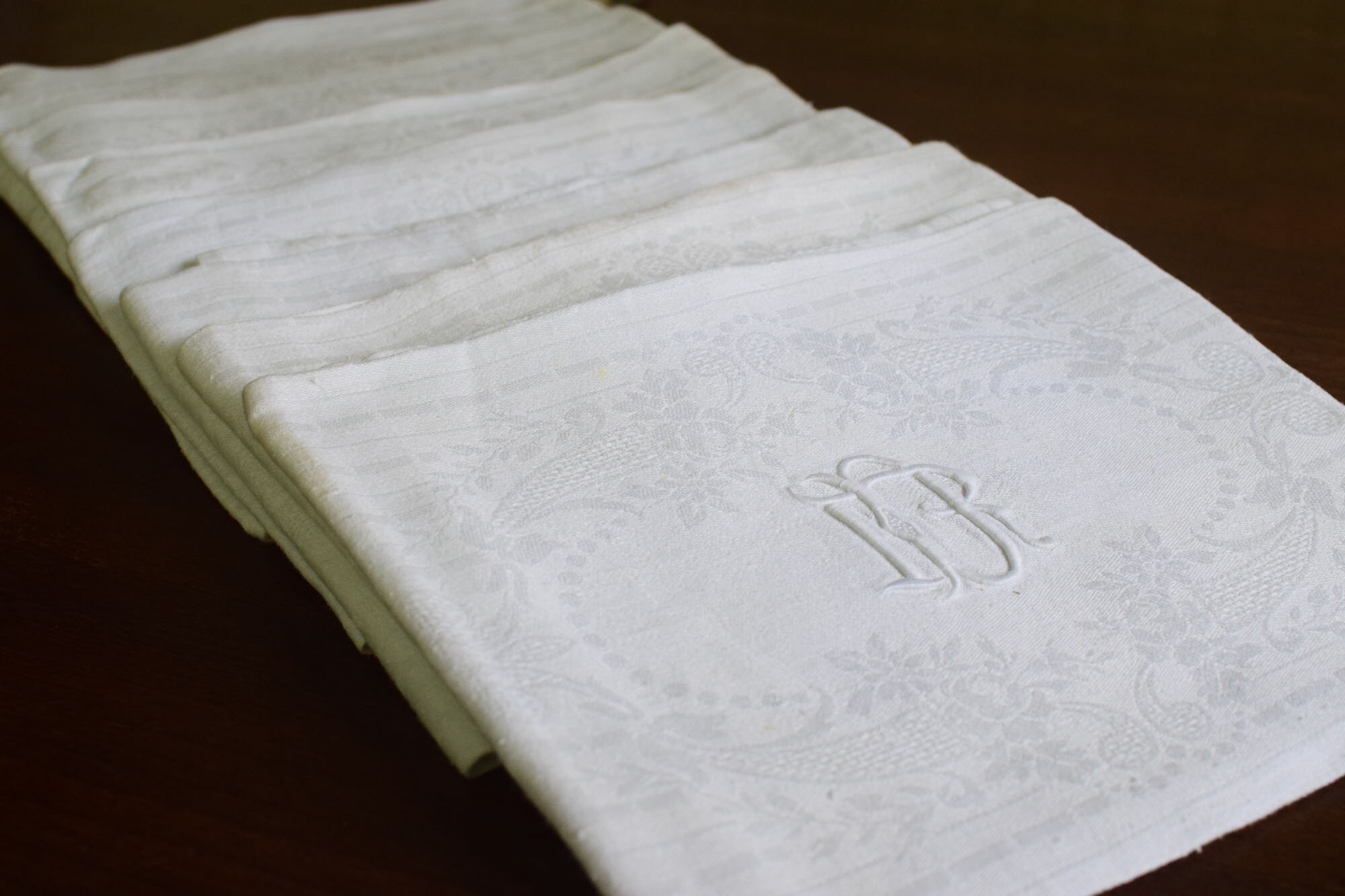 9 Monogrammed Vintage French Silk And Linen Napkins Initials D R French Antiques Vintage French Decor French Linens Cafe Au Lait Bowls And More