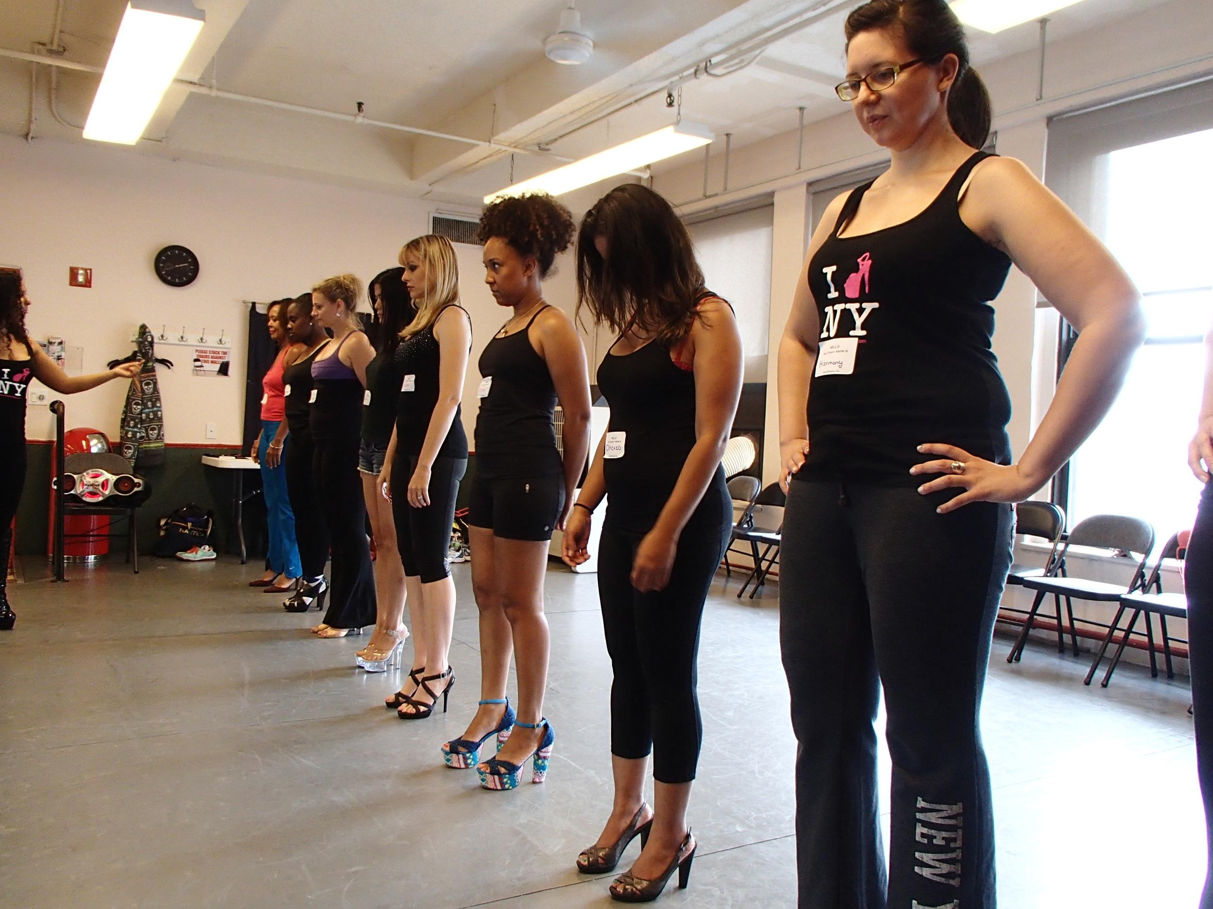 Stripper Walk Class Practice. how to walk in high heels