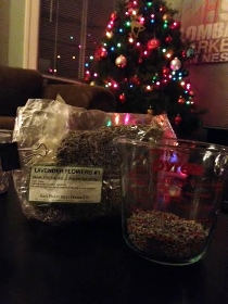 1/4 cup or 1/2 cup of lavender(depending how strong of a scent you want).