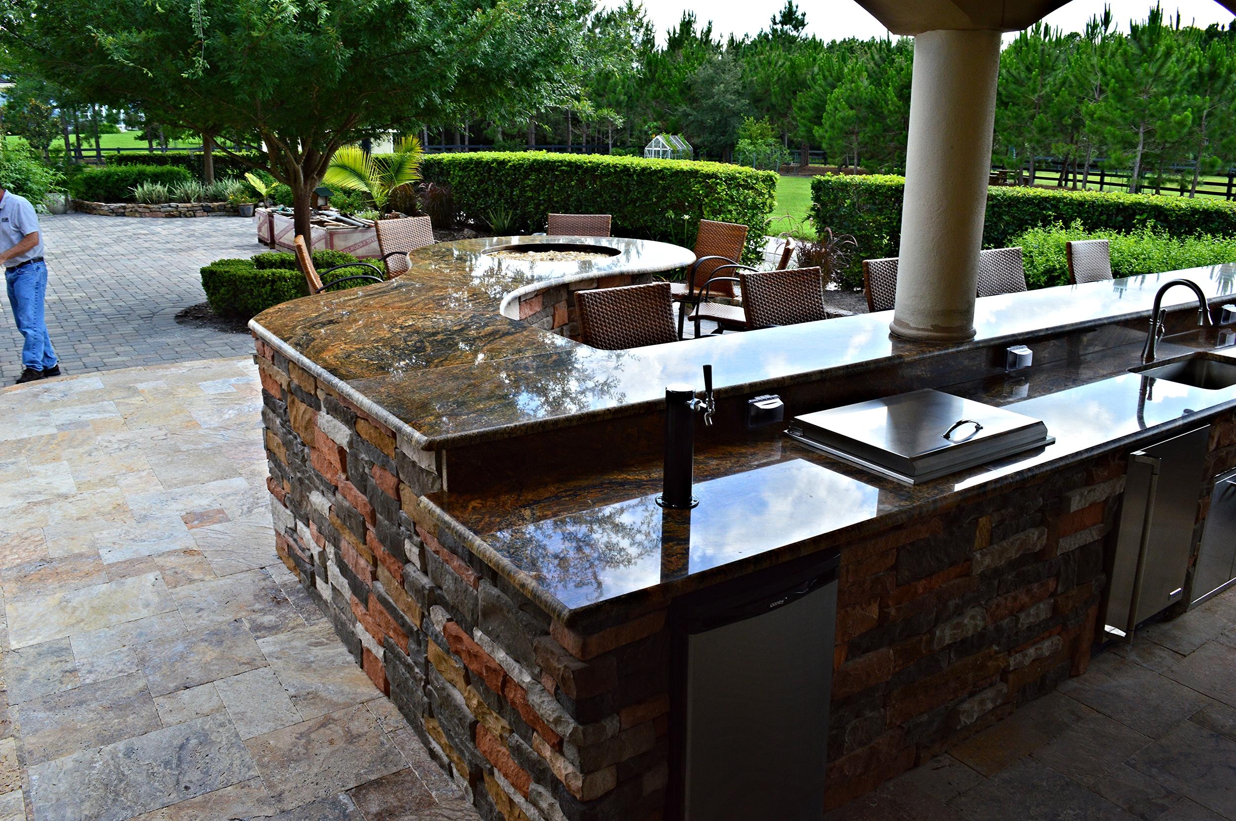 Tampa Outdoor Kitchen Granite Counter tops