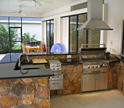 outdoor-kitchen-good-investment.jpg