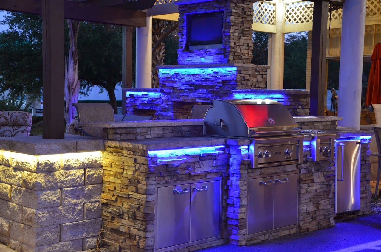 Dale-Mabry-Outdoor-Kitchen-Display-4.jpg