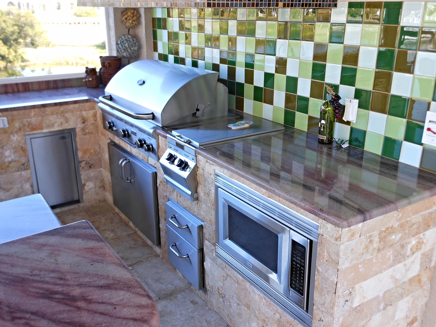 September-2014-outdoor-kitchen-of-the-month1.jpg