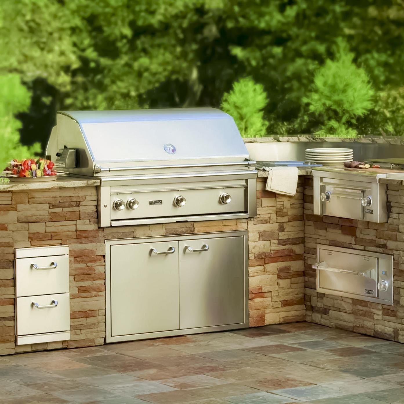 """Lynx 36"""" Grill displayed. Interested in purchasing one? Check out our shop  here for a full selection of Lynx Grills and other outdoor kitchen accessories."""