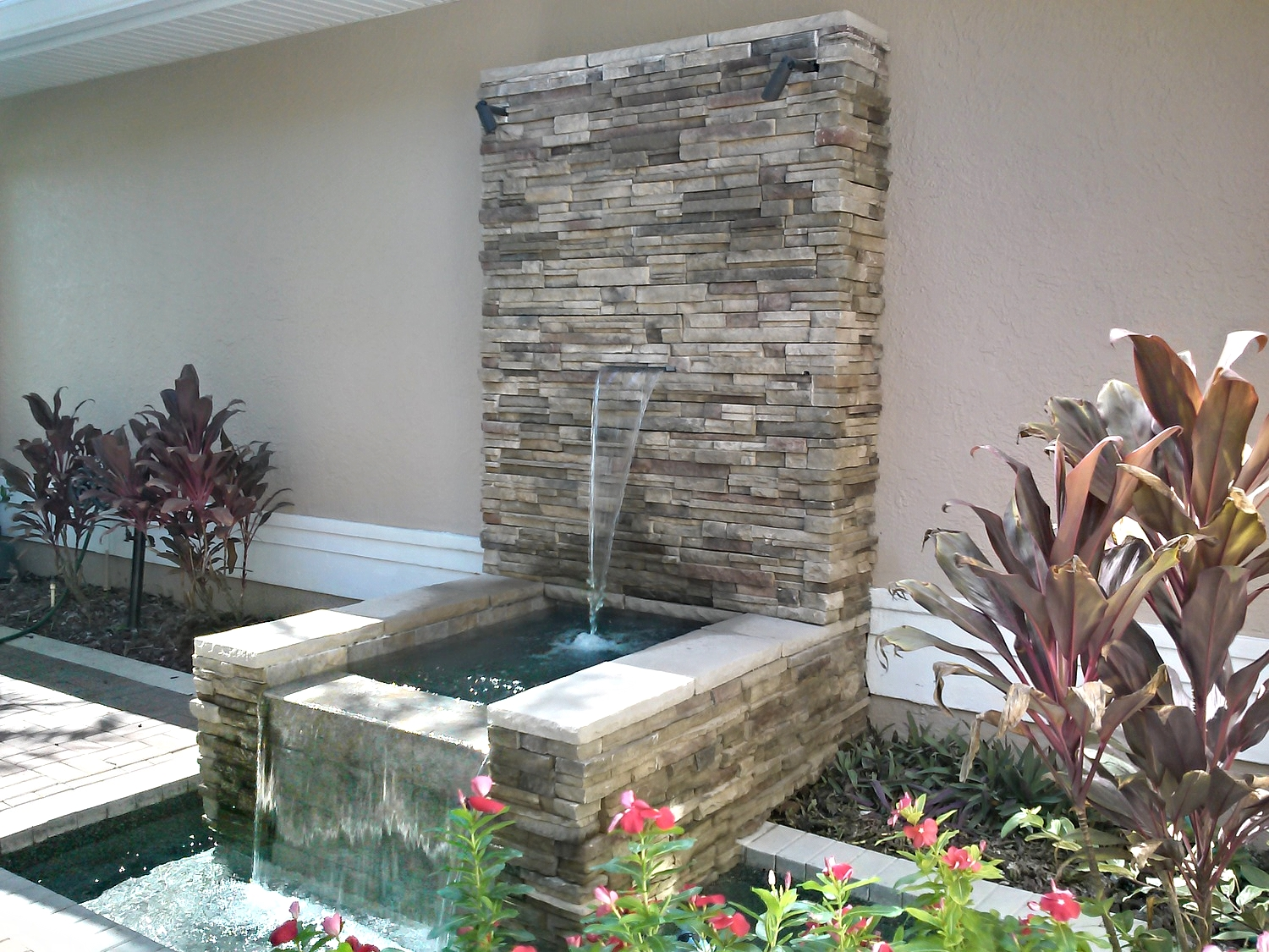 Clark Outdoor Kitchen & Water Feature - Full Water Feature