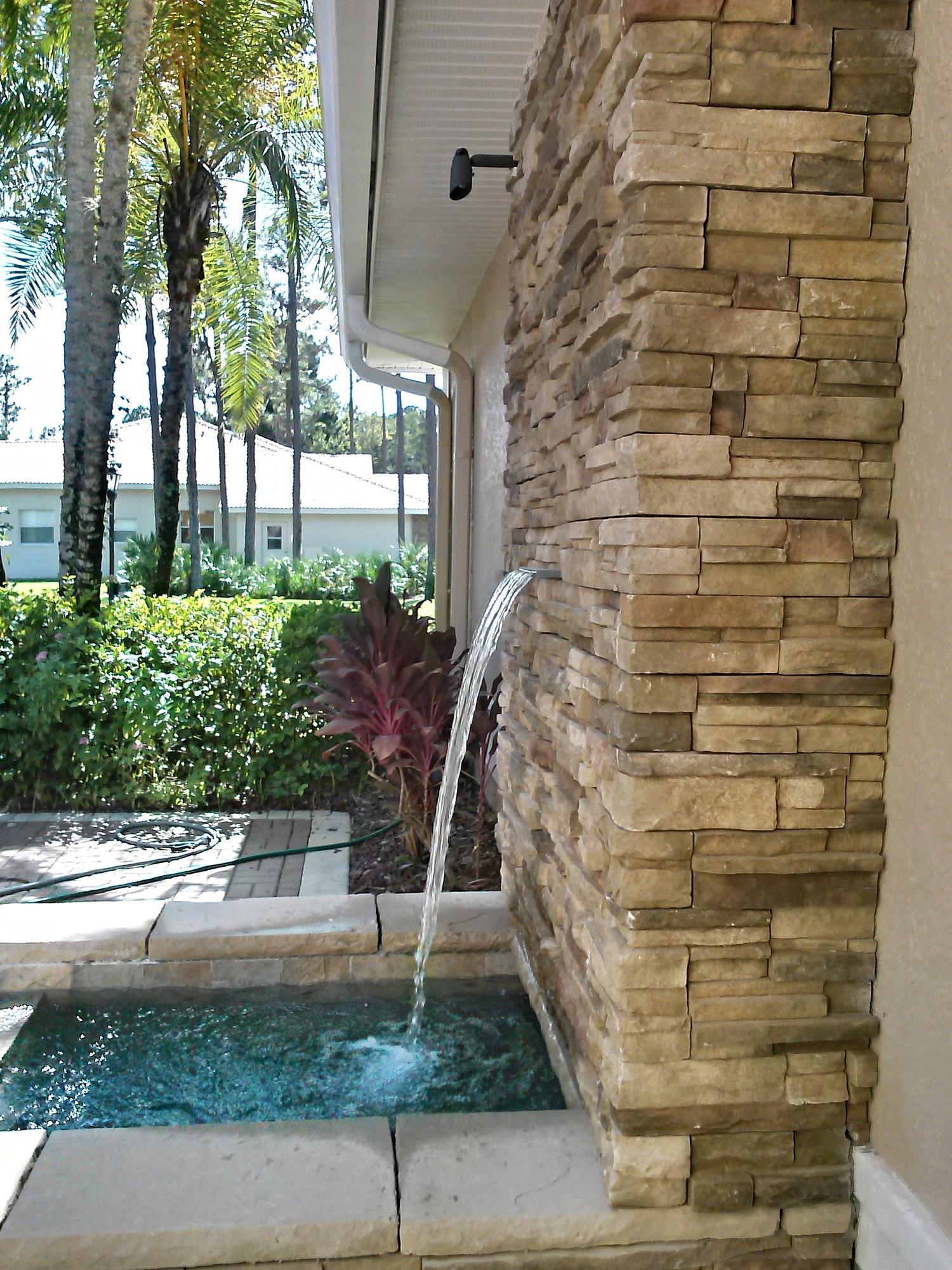 Clark Outdoor Kitchen & Water Feature - Fountain