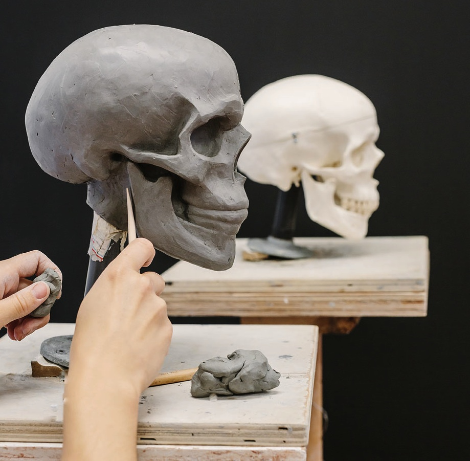 melanie-skull-sculpture-0002b.jpg