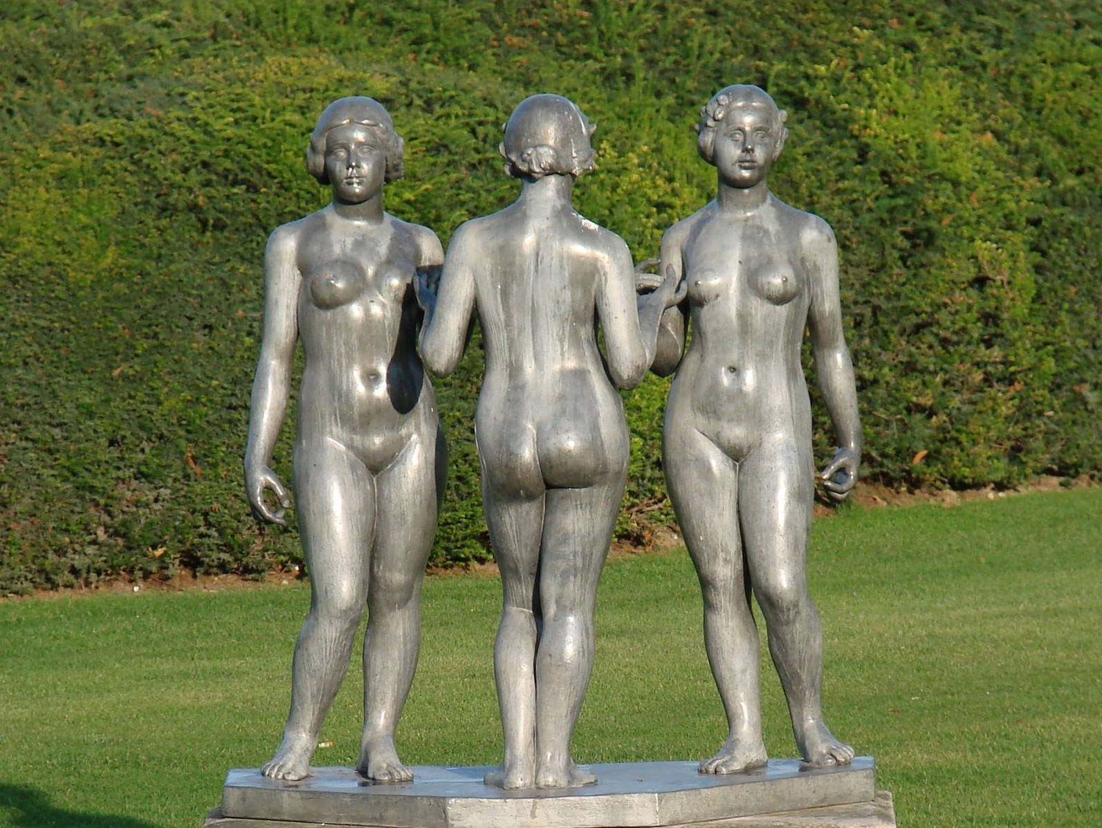 Maillol in the Tuileries