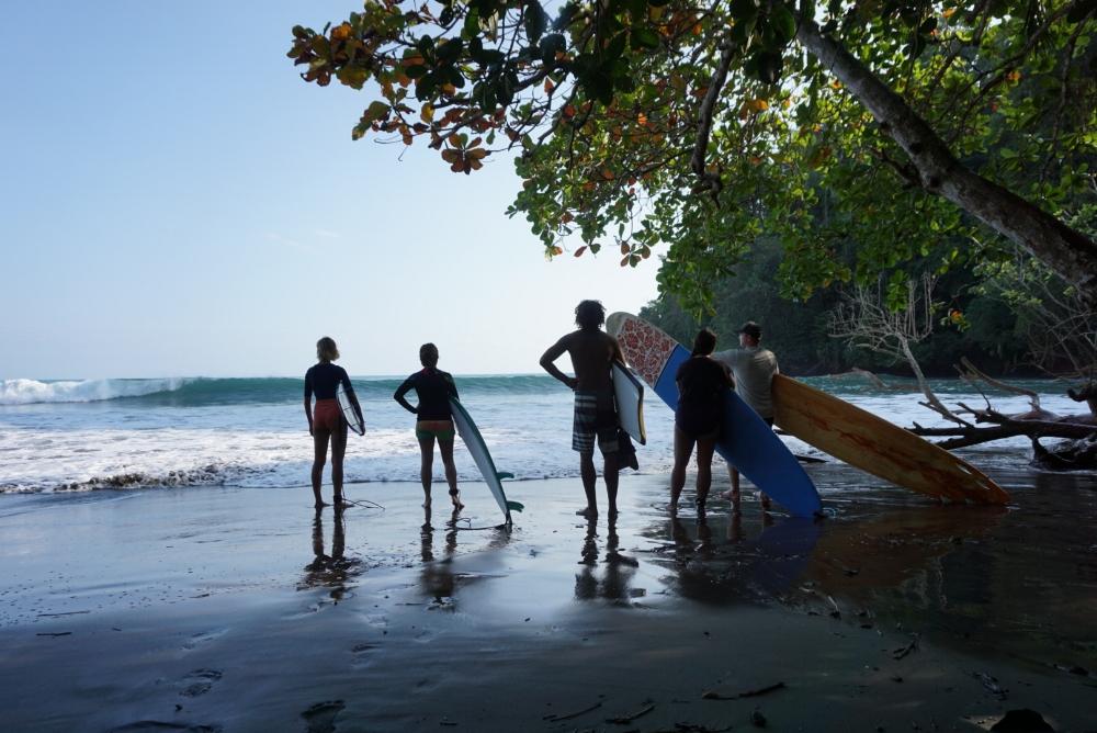 Mariza, Helena, Juan Carlos, Christina, and Andrew checking the surf at Achote.