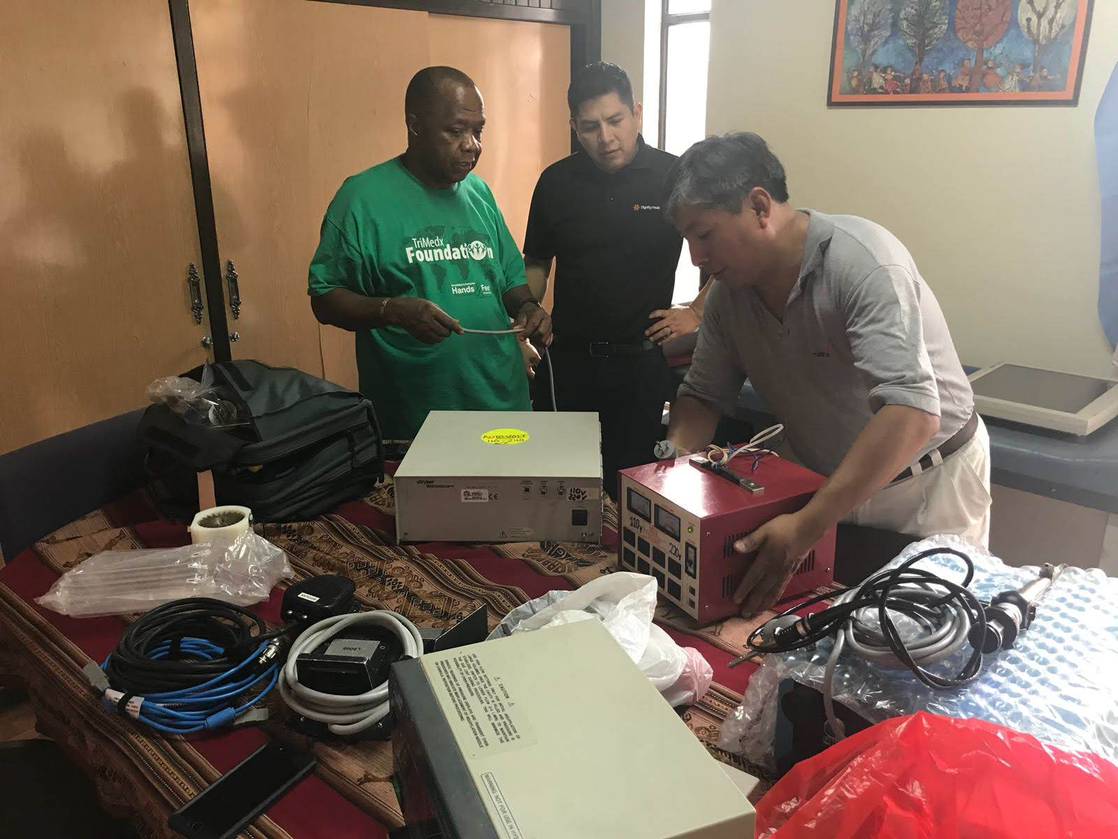 TriMedX Missioners work in our partner office in Cochabamba to rehab important surgical equipment.