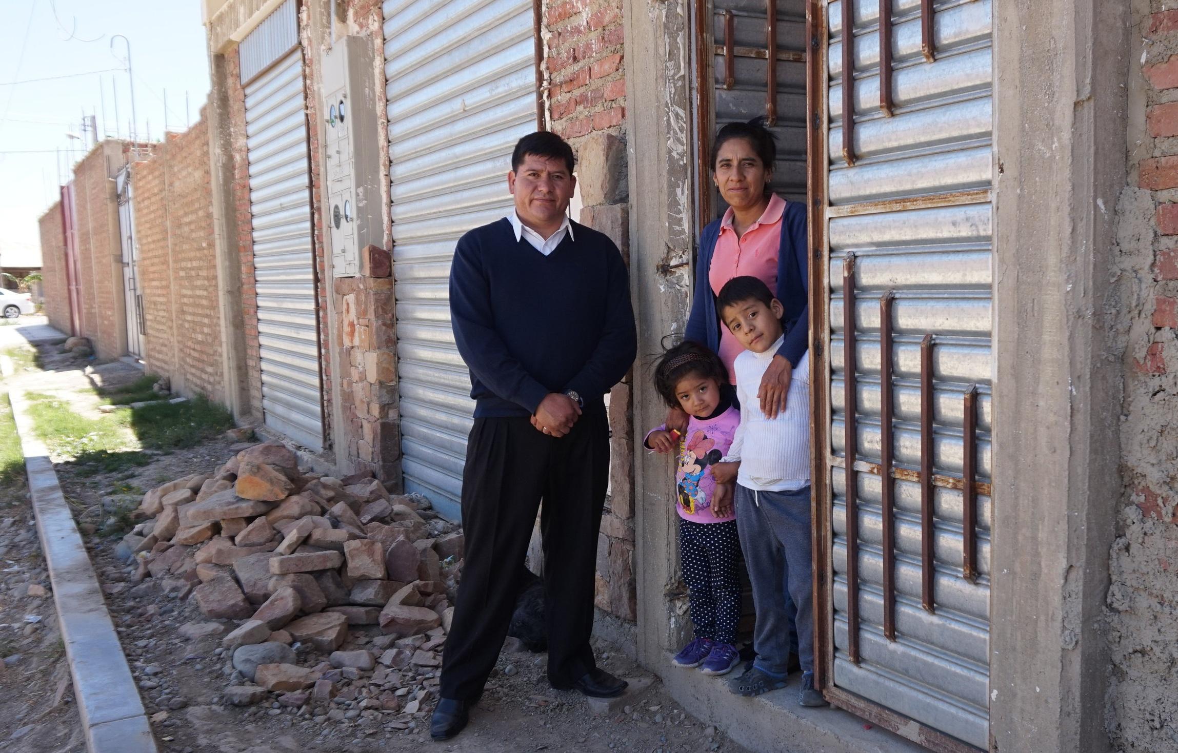 Bolivian+Family.jpg