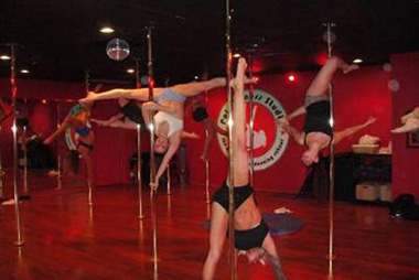 Advanced Pole Dancing Class at Pole Fitness Studio