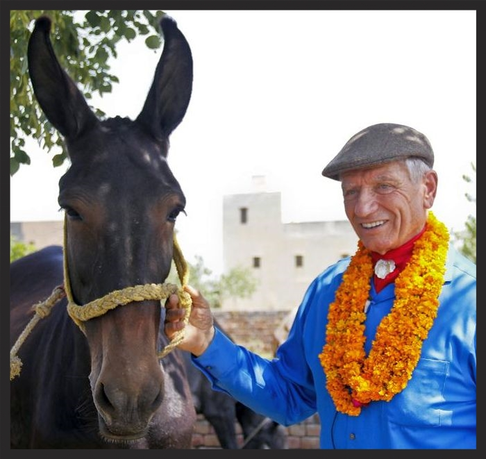 Our Brooke Global Ambassador, Monty Roberts, and a friend, on Monty's trip to India to visit some of the Brooke's programs there.