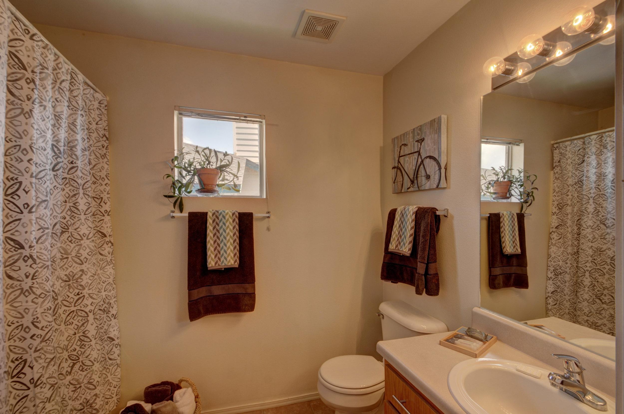 bathroom4141.jpg