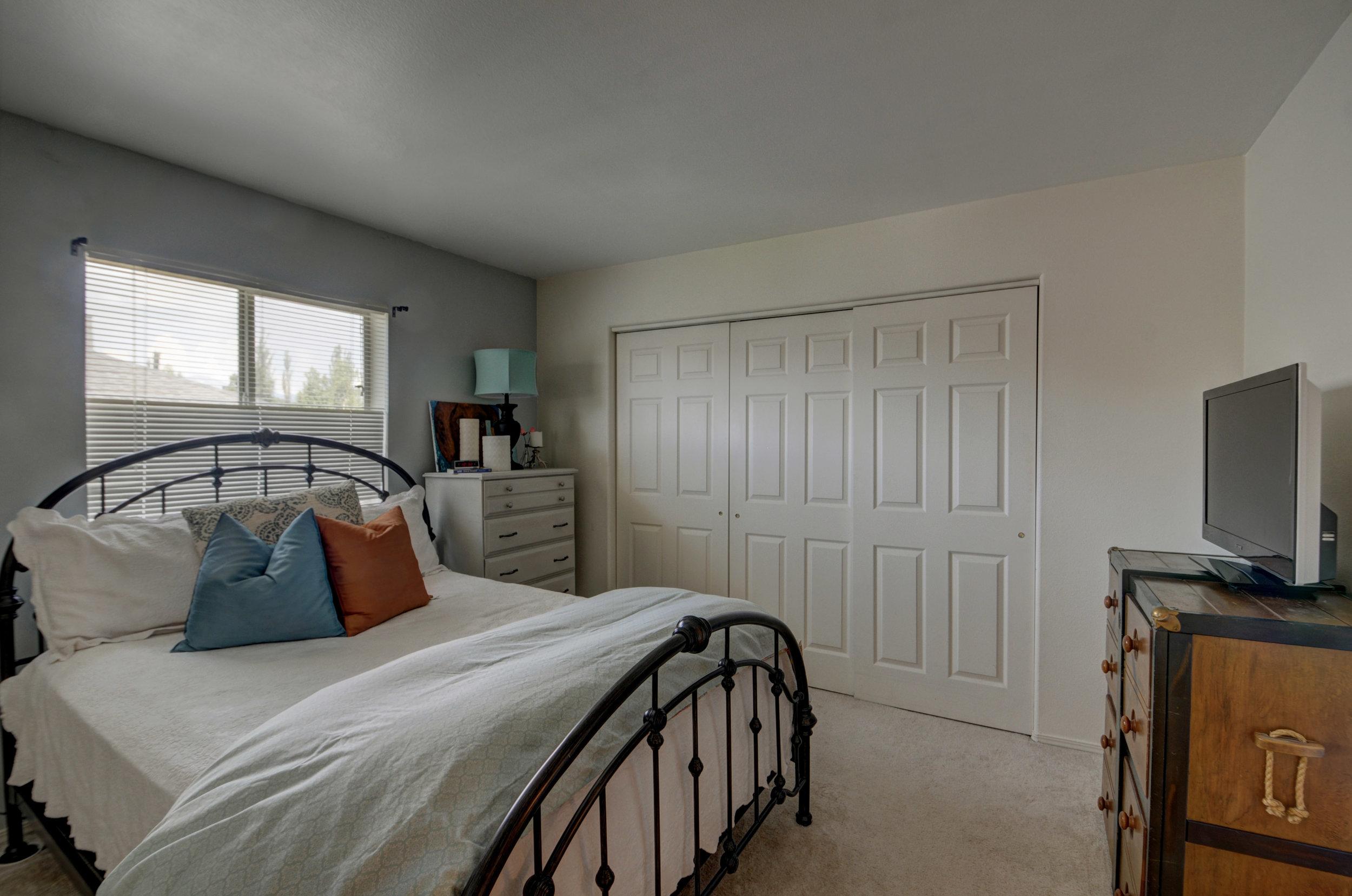 bedroom4159.jpg