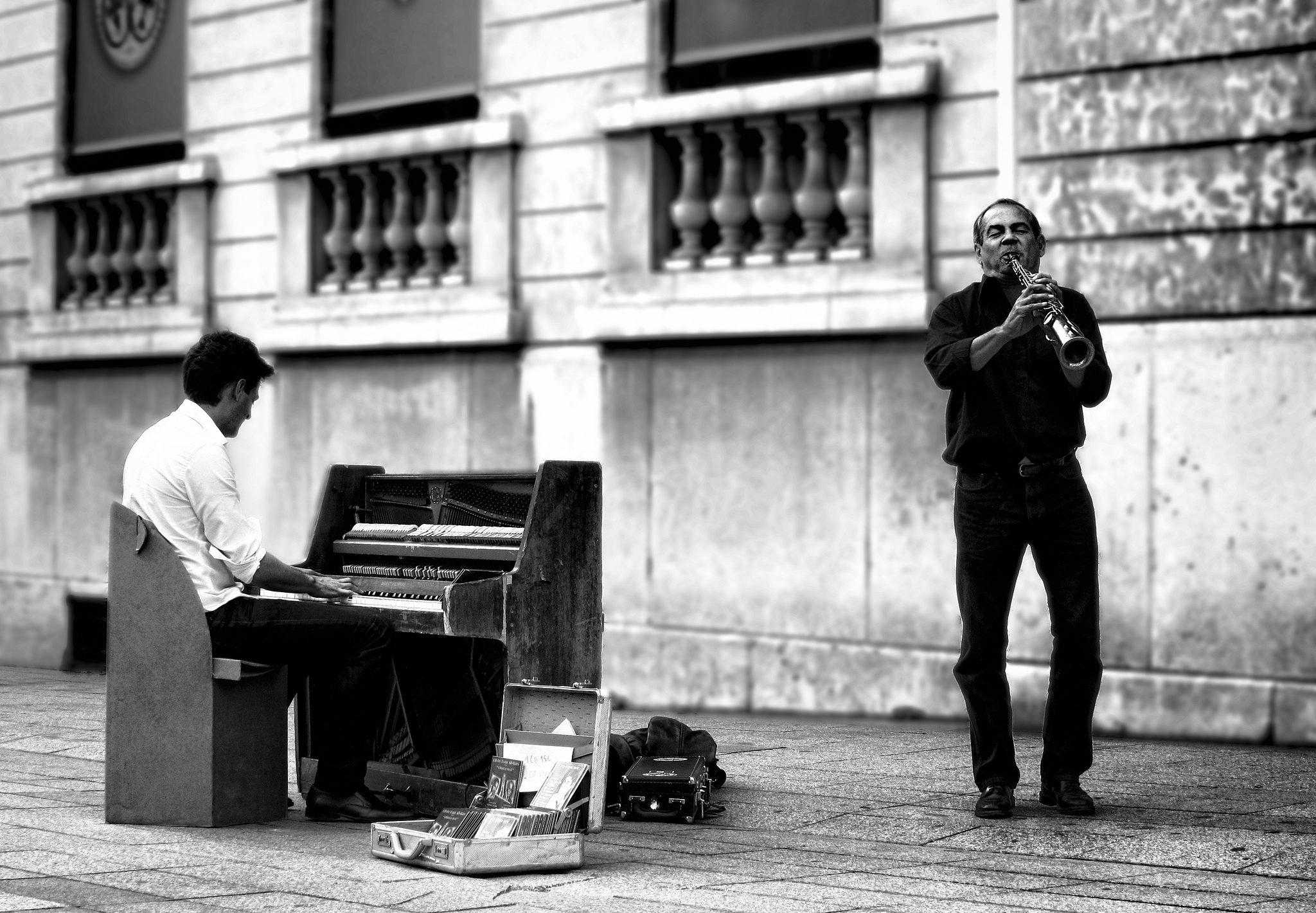 Is street performing the most effective method for musicians to make money? (Photo by  David M )