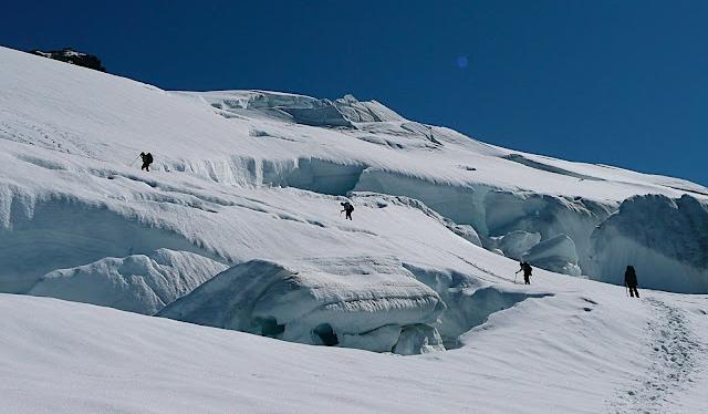 2008-GOI-Ascending Easton Glacier-Photo credit Maria Coryell-Martin.jpg