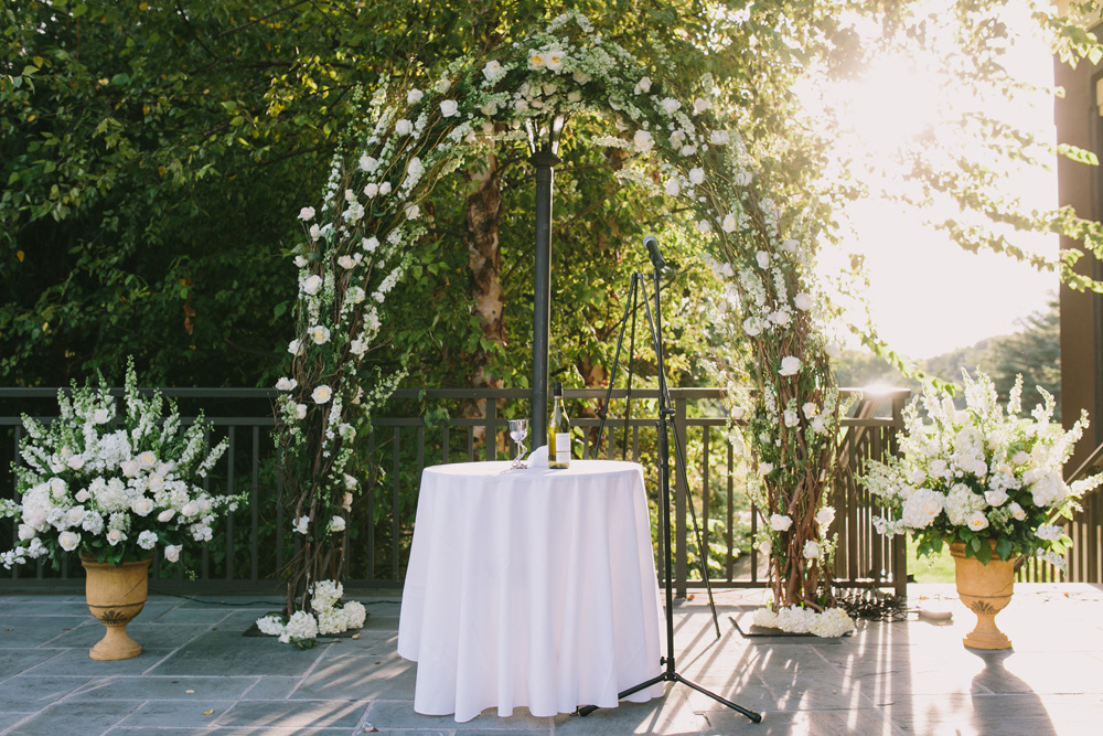 Melissa-Sung-Photography-New-York-Outdoor-Wedding-Cecee-Zhenia003.jpg