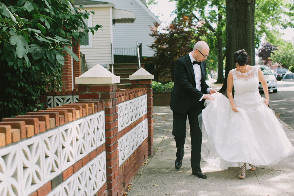 Melissa-Sung-Photography-New-York-Outdoor-Wedding-Cecee-Zhenia017.jpg
