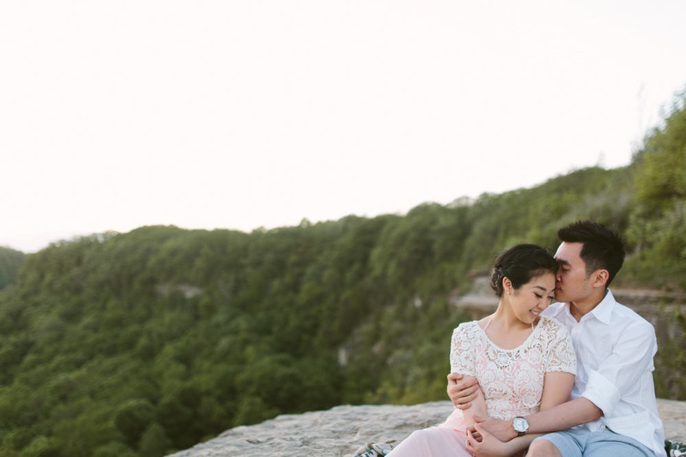 melissa-sung-photography-hamilton-coffeeshop-hike-adventure-engagement024.jpg