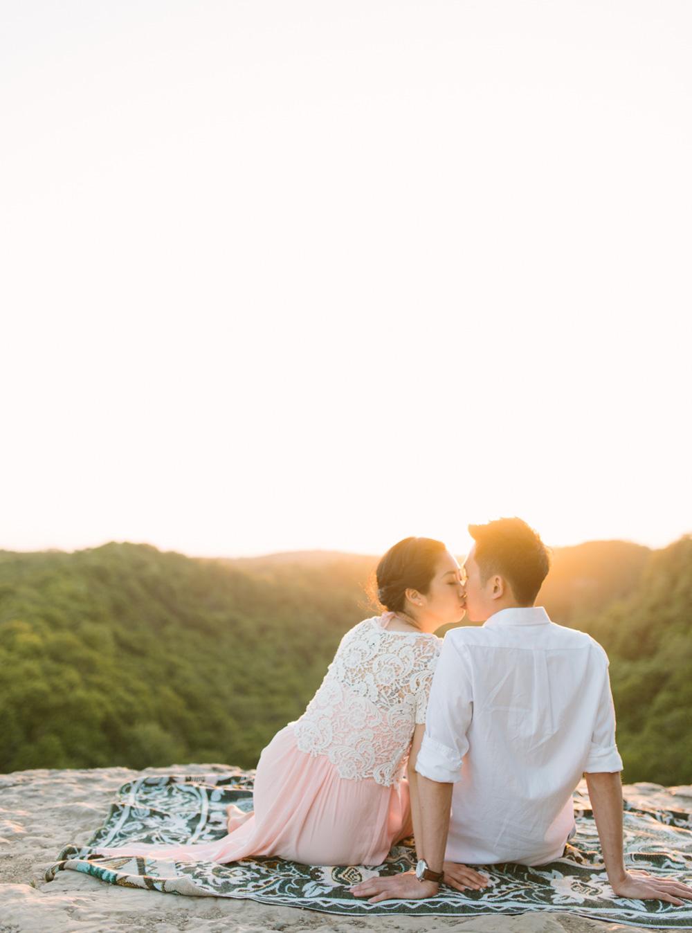 melissa-sung-photography-hamilton-coffeeshop-hike-adventure-engagement027.jpg