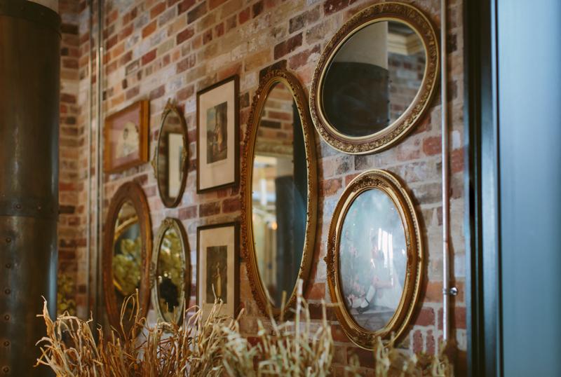 047-Melissa_Sung_Photography_Toronto_Wedding_Photographer_Cluny_Bistro_Distillery.jpg